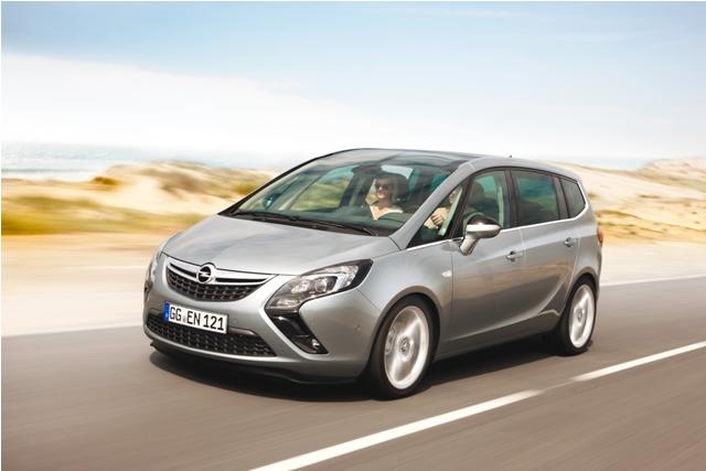 New Opel Zafira Tourer First Class Transformer